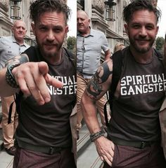 I like these natural candid poses Most Beautiful Man, Gorgeous Men, Beautiful People, Tom Hardy Movies, Tom Hardy Hot, Charlotte Riley, Fan Picture, Marvel, Raining Men