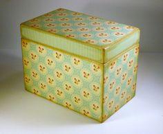 Great little retro recipe box for holding treasured recipes. Retro Floral, Floral Stripe, Recipe Cards, Recipe Box, Red Wildflowers, Creation Crafts, Aqua, Turquoise, Treasure Boxes