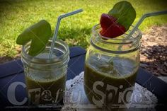 Healthy Morning Smoothie, a great way to start the day. Spinach, banana and strawberries Healthy Morning Smoothies, Fruit Drinks, Start The Day, Strawberries, Spinach, Mason Jars, Banana, Favorite Recipes, Foods