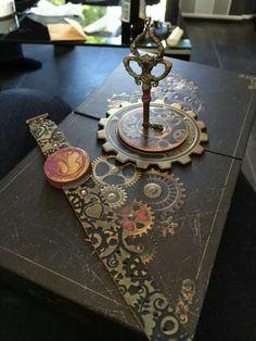 Tomorrowland bracelet, box and key