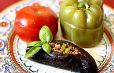 Dolma from vegetables is a traditional popular dish of Azerbaijani cuisine, satisfying and easy at the same time. According to the Azerbaijani cuisine Kurdish Food, Fried Peppers, Eggplant Fries, Vegetable Pie, Eggplant Recipes, Mixed Vegetables, Turkish Recipes, Vegetarian Cooking, Stuffed Green Peppers