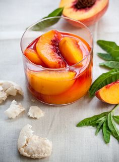 Peaches + Prosecco = the perfect summer dessert. Peaches Poached in Prosecco with Homemade Amaretti cookies Fun Drinks, Yummy Drinks, Yummy Food, Tasty, Beverages, Liquor Drinks, Milk Shakes, Summer Cocktails, Prosecco Cocktails