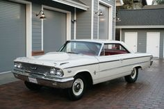 """""""This particular Galaxie is one of these very rare Factory Lightweights, fitted with the R-Code, 425-horsepower big block motor."""""""