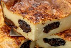 Traditional Breton far - Dessert Breton, Cheeseburger Cake, My Recipes, Cooking Recipes, Cake Factory, Good Food, Yummy Food, Cake Boss, New Flavour