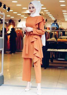 Quick Fashion Tips .Quick Fashion Tips Modest Fashion Hijab, Hijab Style Dress, Stylish Hijab, Modern Hijab Fashion, Hijab Fashion Inspiration, Hijab Outfit, Muslim Fashion, Fashion Clothes, Fashion Outfits