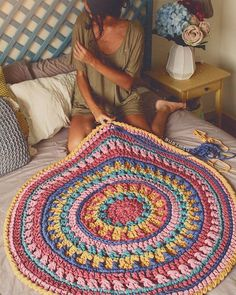 Basket rope diy yarns new ideas Crochet Rug Patterns, Crochet Mandala Pattern, Afghan Patterns, Crochet Diy, Crochet Doilies, Doily Rug, Crochet Carpet, Crochet For Beginners Blanket, Textured Carpet