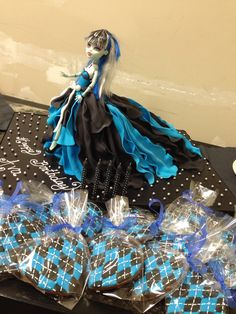 Monster High Doll Cake and Monster High Themed Cookies - Diana's DreamCakes