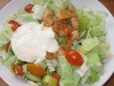 Těstovinový salát s kuř. masem a jednoduchým česnekovým dresingem