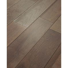 Looking for farmhouse style hardwood floors? Check out this large collection of carefully curated farmhouse style hardwood floors! Hardwood Floor Colors, Clean Hardwood Floors, Wood Laminate Flooring, Slate Flooring, Engineered Hardwood Flooring, Flooring Ideas, Prefinished Hardwood, Farmhouse Flooring, Wide Plank