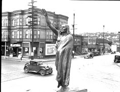 Chief Seattle statue at Fifth and Denny, 1936