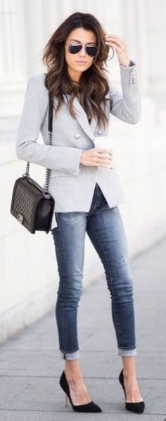 The Best Professional Work Outfit Ideas 17