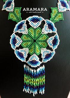 Huichol Art, Beadwork Designs, Mexican Jewelry, Flower Necklace, Beaded Jewelry, Beaded Necklaces, Bead Art, Seed Beads, Native American