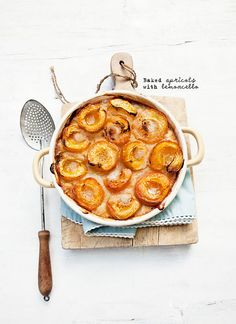 Baked apricots with limoncello