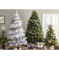 Green Spruce Artificial Christmas Tree with White Lights White Artificial Christmas Tree, Fir Christmas Tree, Best Christmas Lights, Alternative Christmas Tree, Christmas Colors, Christmas Decorations, Holiday Decor, White Christmas, Memory Tree