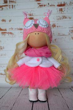Bonjour, chers visiteurs ! Il sagit de la poupée de chiffon à la main créée par maître Olga Sechko (Karaganda, Kazakhstan). La poupée est de
