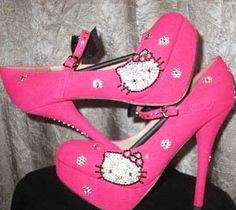 A little HK in your Lifey?  #spikeheels #hellokitty #heelshoes #heelsfashion #heels #pumps #platformheels #heelpumps #partyheels #platformpumpheels #fashion #fashionshoes #cutelife www.pinkbasis.com