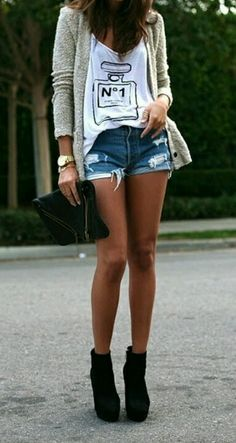 f8a1151d360a Chanel Street Style perfection Passion For Fashion