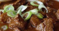 ...mají u nás doma rádi především chlapi. Vždycky, když řeknu, že bude vepřový guláš, Pepíno se ujišťuje, jestli je to ten guláš z prasátka... Sausage, Steak, Beef, Cooking, Meat, Kitchen, Sausages, Steaks, Brewing