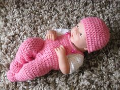 This pattern is for a jumper, dungarees, booties and hat set. The set is made in dk/ 3 light yarn and a size 4mm/ G crochet hook. I have included a