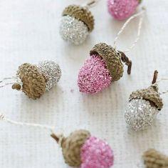 #DIY // glitter acorns
