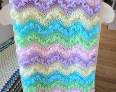 15 free ruffled baby blanket patterns