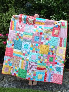 HenHouse: Quilt for Erin, love the mix of fabrics, so cheerful