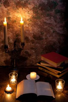 Books and Candlelight by Michi Termo on Old Books, Vintage Books, I Love Books, Books To Read, Coffee And Books, Candle Lanterns, Book Nerd, Book Lovers, Still Life