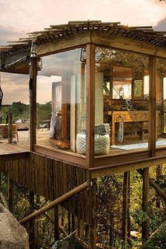 More ideas below: Amazing Tiny treehouse kids Architecture Modern Luxury treehouse interior cozy Backyard Small treehouse masters Plans Photography How To Build A Old rustic treehouse Ladder diy Treeless treehouse design architecture To Live In Bar Cabin Tree House Masters, Building A Treehouse, Treehouse Kids, Treehouse Hotel, Treehouse Living, Casa Hotel, Casas Containers, Cozy Backyard, Backyard Ideas