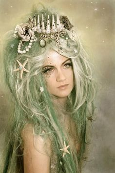 Ghoulia´s peculiars: the most enchanting custom made wigs and headdresses to become a siren ···   ··· Your Fantasy Costume