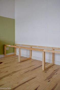 DIY: how to make a wooden dining room sofa yourself InteriorTwin - make your own bank - Home Room Design, Furniture Design Modern, Home Living Room, Furniture Design Wooden, Cheap Home Decor, Home Decor, Dining Room Bench, Dining Room Contemporary, Dining Room Sofa