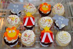 Circus Birthday Cupcakes  www.leahssweettreats.com