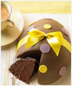 Another look at the chocolate Easter egg with this alluring chocolate Easter cake.