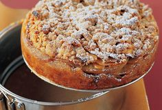 Apple pie cake - A cross between pie and a fruit crisp, this dramatic dessert is made with just six common ingredients. Apple Desserts, Apple Recipes, Just Desserts, Fall Recipes, Dessert Recipes, Baking Recipes, Baking Tips, Quick Recipes, Bread Recipes