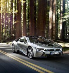 BMW-i8-Plug-in-Hybrid-Sports-Car-02