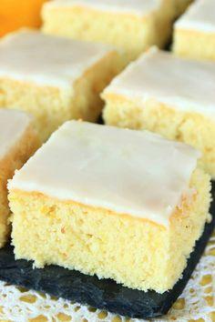 Citronmazarinrutor med glasyr – Lindas Bakskola Healthy Recepies, Swedish Recipes, Food Cakes, Everyday Food, No Bake Cookies, No Bake Desserts, Cornbread, Cake Recipes, Bacon
