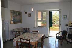 Vendesi trilocale a due passi dai servizi del Borgo di Limpiddu al piano terra è  Per info:  Bruno Pala  ORIZZONTE CASA SARDEGNA  Via De Gasperi 18-08020 Budoni.  Tel 0784-1896176  cell. 3932364058  Email orizzontecasasardegna@gmail.com  www.orizzontecasasardegna.com  #sardegna #vendita #immobiliare #limpiddu #appartamenti #trilocali #agenzie