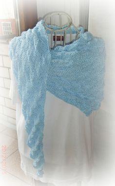 Wunderschönes Tuch in eisblau im Dawandashop