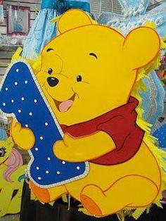 Piñatas de Winnie Pooh para Fiestas Infantiles Winnie The Pooh Pictures, Winnie The Pooh Themes, Cute Winnie The Pooh, Winnie The Pooh Birthday, Baby Boy Birthday Decoration, 1st Boy Birthday, Happy Birthday Banners, Boy Birthday Parties, Birthday Greetings
