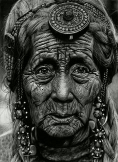 The most life-like drawings you will ever see: Incredibly detailed pictures of Hollywood stars drawn by HAND - Fotografie Hollywood Stars, Hand Fotografie, Old Faces, Eye Photography, Realistic Drawings, Detailed Drawings, Black And White Portraits, Pencil Portrait, Portrait Sketches