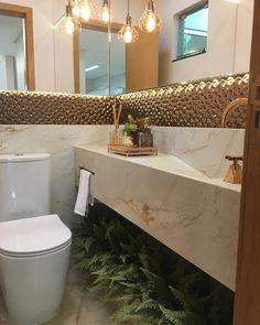 Lavabo pequeno: 60 ambientes bonitos e funcionais com pouco espaço Interior Exterior, Room Interior, Interior Design Living Room, Bathroom Niche, Brown Bathroom, Bathroom Ideas, Lavabo Design, Interior Design Career, Interiors