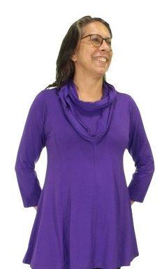 Prachtige A-lijn shirts van ZAZOU in prachtige kleuren. Met 3/4 mouw of korte mouw. Vanaf maat 40 t/m 54, met bijpassende sjaaltjes/colletjes. Bestellen kan in de webshop van www.zazou.nl Of kom langs in de winkel Splendid te Middelburg Langeviele 36 Van een mooie kwaliteit tricot de luxe 94% viscose/ 6% elasthan