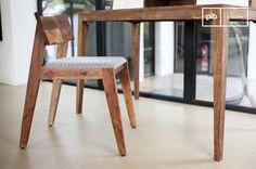 Originele en comfortabele scandinavische stoel met een prachtig ontwerp uit de jaren 50.