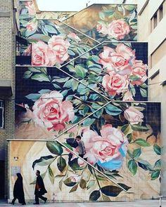 Street art in Tehran. Street Art in Iran: Social Commentary on the Streets of Tehran. 3d Street Art, Murals Street Art, Amazing Street Art, Amazing Art, Banksy, Graffiti Art, Urbane Kunst, Art Du Monde, Wow Art