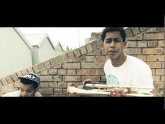 Rizzle Kicks - Down With The Trumpets