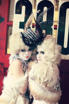 Vintage Vaudeville Circus. I love their hats, makeup and wigs so much!!! agrrr so awesome!!!