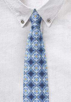 Eisblaue Krawatte mit Talavera-Ornament-Dekor