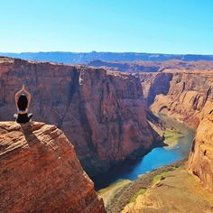 Horseshoe Bend Bucket List. Road trip Utah and Arizona | Travel Tips, Inspiration, Adventure and places to see. Wanderlust travel blog.  Photo via @StephBeTravel