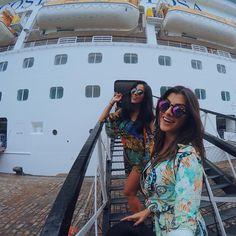 HEY HO LETS GO #FashionCruise ! ⚓️ Embarcando com a @jadeseba em mais um #NaheJadeOFFTOCruise ! Estamos prontas, capitããão! Partiu?