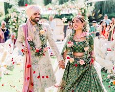 Find the best couple outfit combinations for weddings to show your twinning. Trending Bride and Groom outfit combinations must check out once. Indian Wedding Outfits, Bridal Outfits, Indian Outfits, Indian Weddings, Indian Clothes, Wedding Dresses, Wedding Hair, Indian Wedding Bridesmaids, Real Weddings