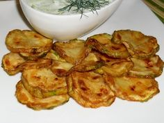 Cuketa na grilu Camembert Cheese, Zucchini, Vegetables, Food, Summer Squash, Meal, Eten, Vegetable Recipes, Meals